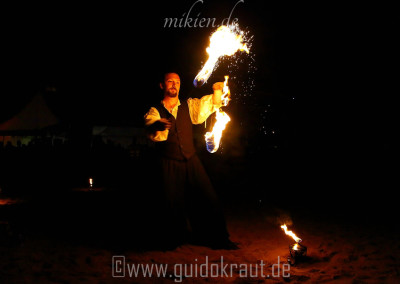 Mikien Feuerpoi beim Haaner Sommer 2015