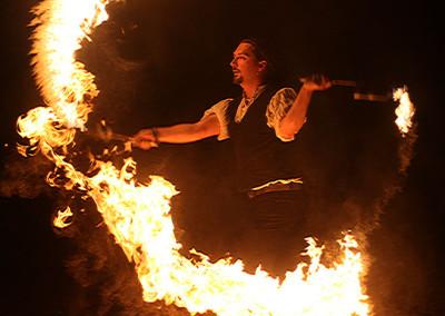 Mikien Feuershow bei einer Hochzeit in Kirtorf