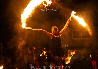 Finale der Feuershow beim Haaner Sommer 2015