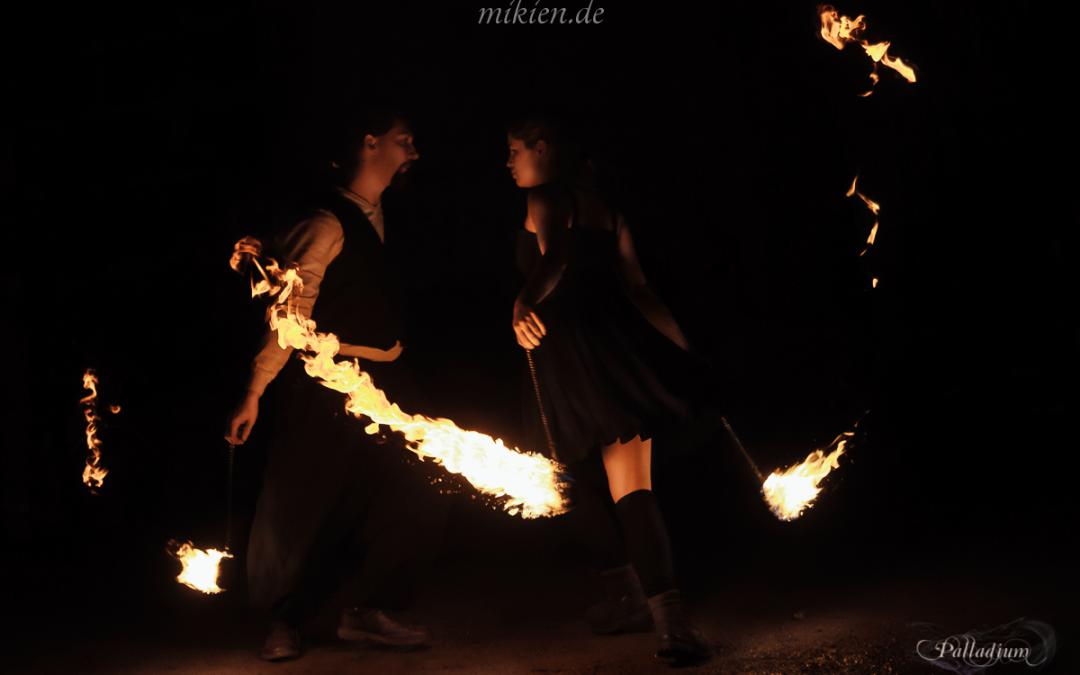 Feuershow – Mittelalterlicher Weihnachtsmarkt in Durlach 2016