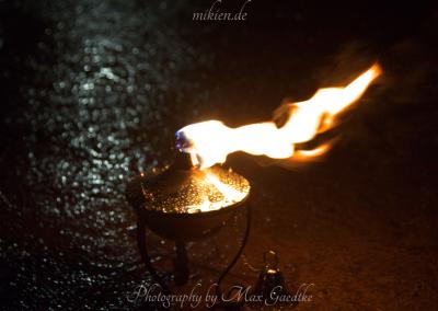 Feuershow bei Regen - Mittelalterlicher Weihnachtsmarkt Durlach 2015